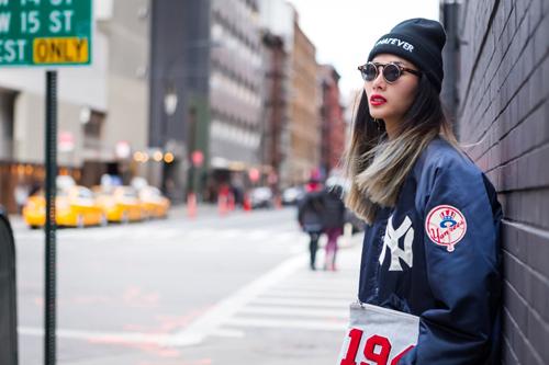 Hoàng Thùy mặc ấn tượng dạo phố New York - 4