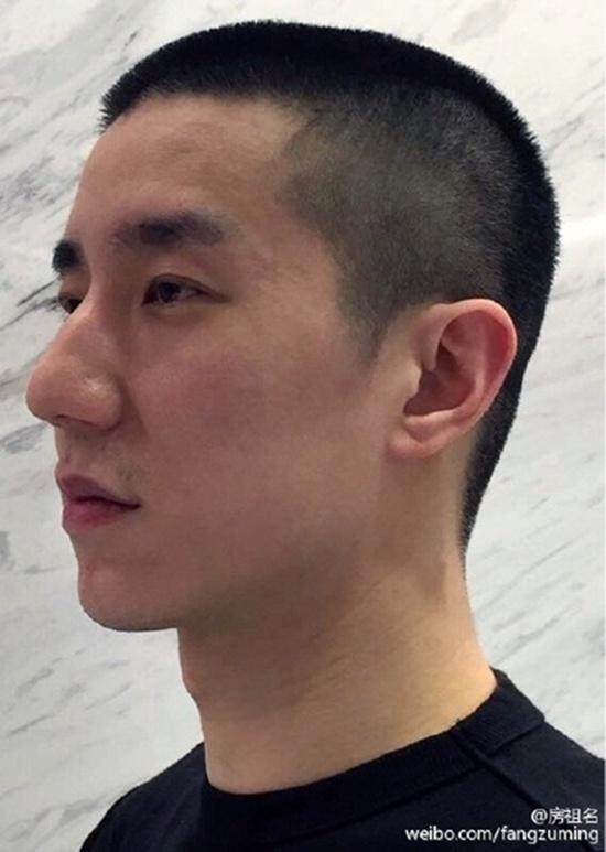 Thành Long cạo tóc con trai thể hiện sự hối cải - 1