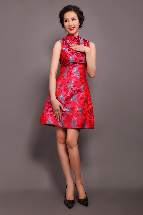 MC Thanh Mai trẻ trung, quyến rũ với váy ngắn - 5