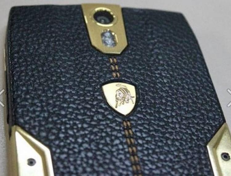 8 điều ít biết về điện thoại cao cấp Lamborghini 88 Tauri - 2