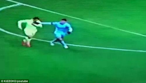 Suarez lại dính nghi án cắn người - 1