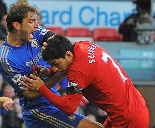 Suarez lại dính nghi án cắn người - 3