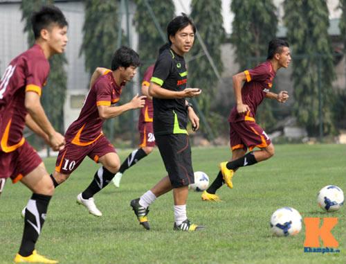 U23 VN: HLV Miura, U19 và cái bóng thầy Guillaume - 1