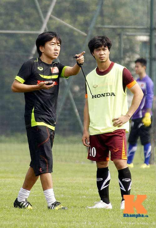 U23 VN: HLV Miura, U19 và cái bóng thầy Guillaume - 2