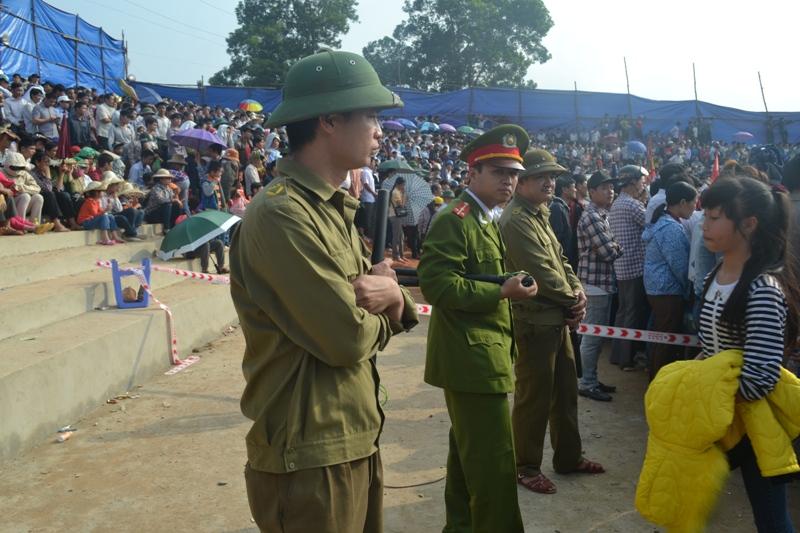 Clip: Chọi trâu kịch tính, nảy lửa tại Hà Giang - 3