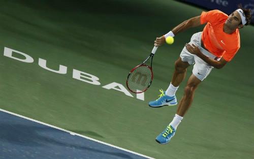 """Federer - Verdasco: """"Tự bắn vào chân"""" (V2 Dubai) - 1"""