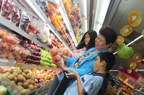 TP.HCM: Giá thực phẩm sau tết tăng không đáng kể - 1