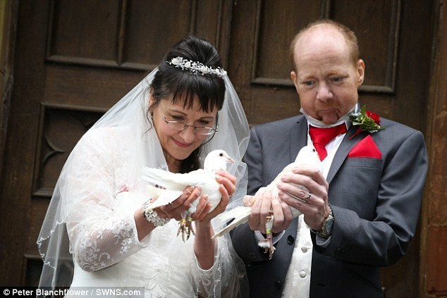Cảm động hôn lễ được tổ chức trong những thời khắc cuối đời - 5