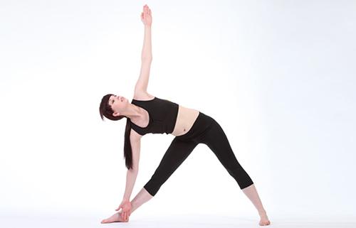 8 bài tập yoga giúp phụ nữ tuổi 30 thêm khỏe đẹp - 1