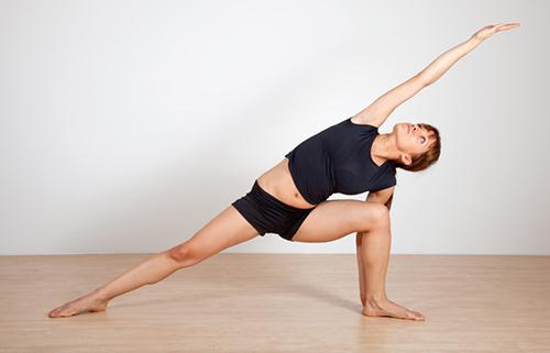 8 bài tập yoga giúp phụ nữ tuổi 30 thêm khỏe đẹp - 5