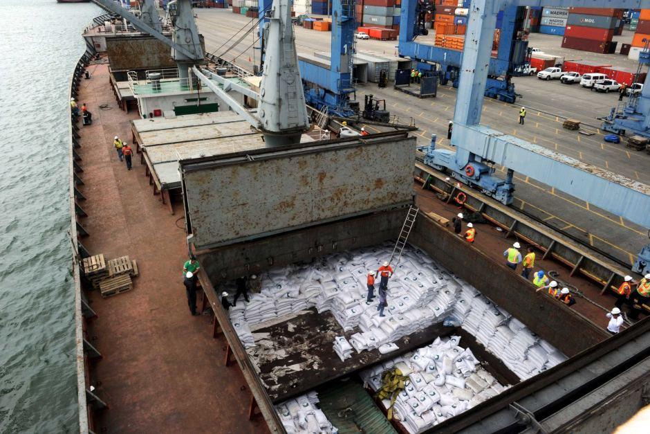 Hé lộ chiêu né cấm vận tàu biển của Triều Tiên - 2