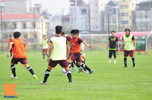 Thứ trưởng tới lì xì, ĐT U23 Việt Nam được nghỉ sớm - 1