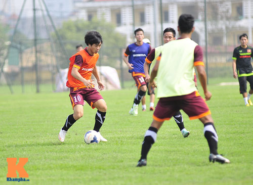 Thứ trưởng tới lì xì, ĐT U23 Việt Nam được nghỉ sớm - 4