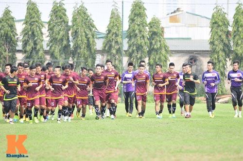 Thứ trưởng tới lì xì, ĐT U23 Việt Nam được nghỉ sớm - 3