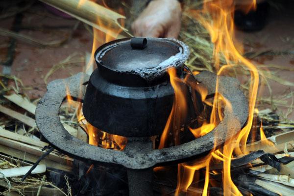 Mướt mồ hôi kéo lửa thi nấu cơm làng Thị Cấm - 10