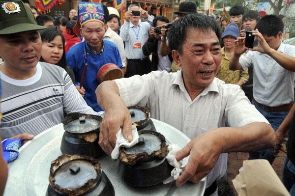 Mướt mồ hôi kéo lửa thi nấu cơm làng Thị Cấm - 14