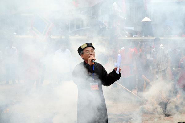 Mướt mồ hôi kéo lửa thi nấu cơm làng Thị Cấm - 12