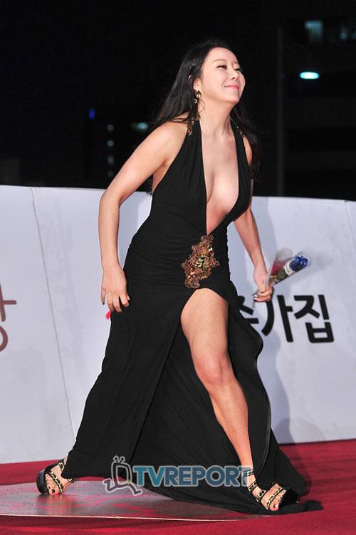 1001 lỗi hớ hênh váy áo khiến mỹ nữ châu Á đỏ mặt - 4