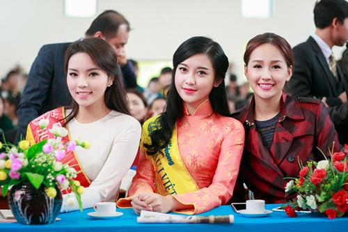 """1001 kiểu trang phục """"mua thêm tuổi"""" của mỹ nữ Việt - 2"""