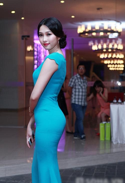 """1001 kiểu trang phục """"mua thêm tuổi"""" của mỹ nữ Việt - 4"""