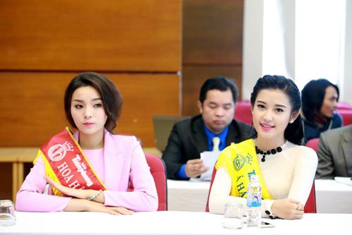 """1001 kiểu trang phục """"mua thêm tuổi"""" của mỹ nữ Việt - 7"""