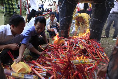 """Độc đáo lễ hóa voi, ngựa """"khủng"""" tại hội Đền Gióng - 7"""