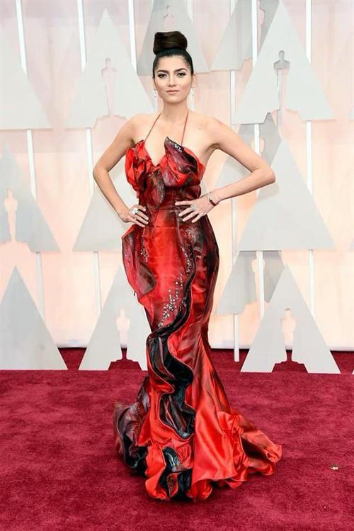 Sao Hollywood diện thiết kế Việt trên thảm đỏ Oscar - 2
