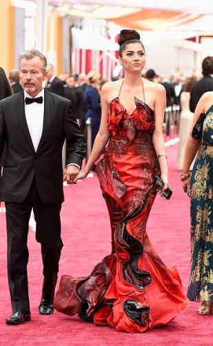 Sao Hollywood diện thiết kế Việt trên thảm đỏ Oscar - 1