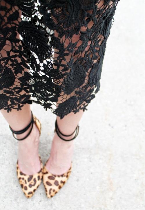 Nàng công sở quyến rũ với chân váy ren - 4