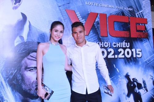 Hương Giang Idol gợi cảm đi xem phim - 4