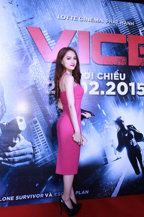 Hương Giang Idol gợi cảm đi xem phim - 2