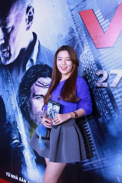 Hương Giang Idol gợi cảm đi xem phim - 8
