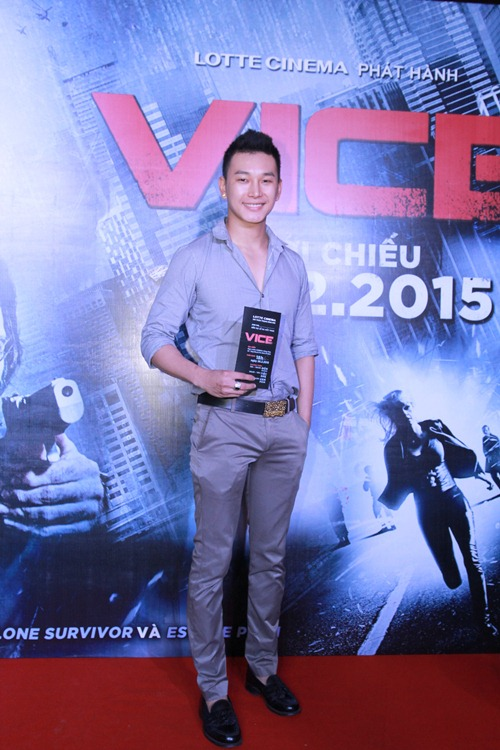 Hương Giang Idol gợi cảm đi xem phim - 9