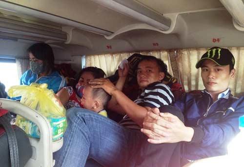 Bị nhồi nhét, bơ phờ trên chuyến xe đò vào Sài Gòn - 2