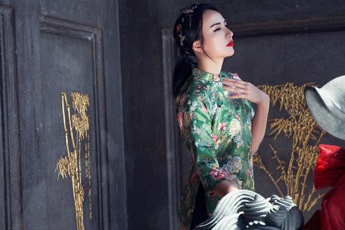 Hoa hậu Ngọc Diễm khoe vai thon với áo yếm cách tân - 5