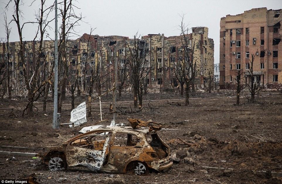 Đông Ukraine hoang tàn như sau chiến tranh TG thứ 2 - 2