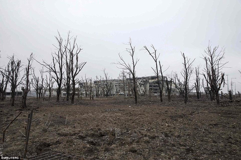 Đông Ukraine hoang tàn như sau chiến tranh TG thứ 2 - 5
