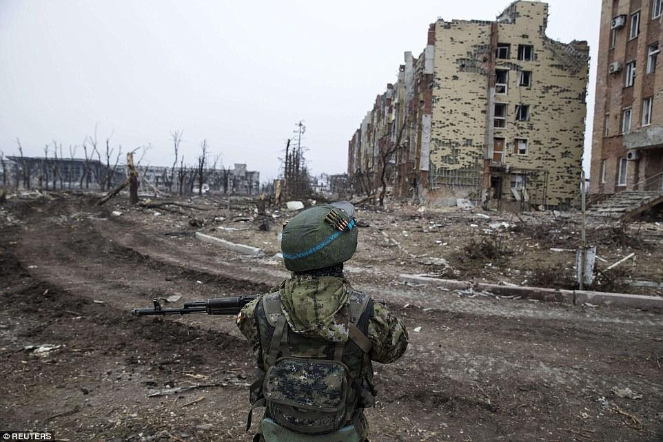 Đông Ukraine hoang tàn như sau chiến tranh TG thứ 2 - 4