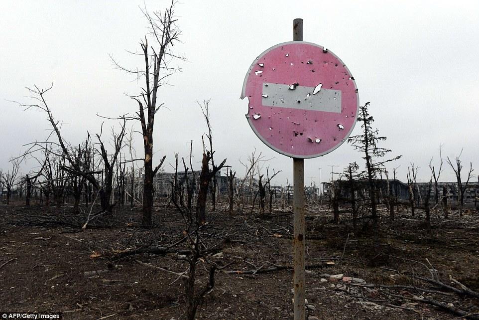 Đông Ukraine hoang tàn như sau chiến tranh TG thứ 2 - 6