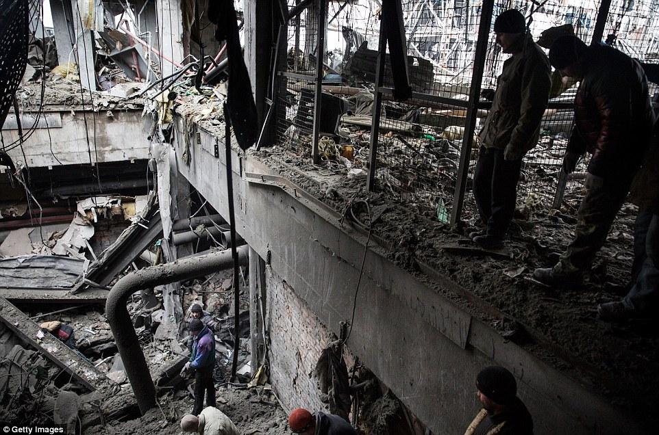 Đông Ukraine hoang tàn như sau chiến tranh TG thứ 2 - 12