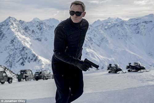Dàn siêu xe của James Bond lộ diện - 4