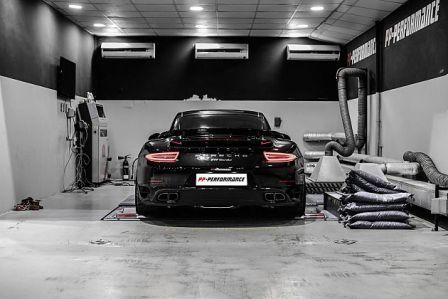 Cận cảnh phiên bản độ của Porsche 911 Trubo - 2