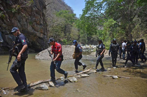Mexico bắt cựu giáo viên kiêm trùm băng đảng khét tiếng - 2