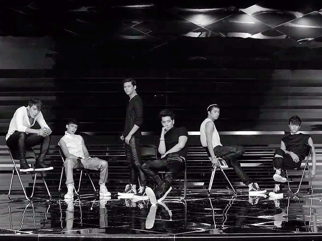 Những đạo cụ biểu diễn độc đáo của sao K-pop - 4