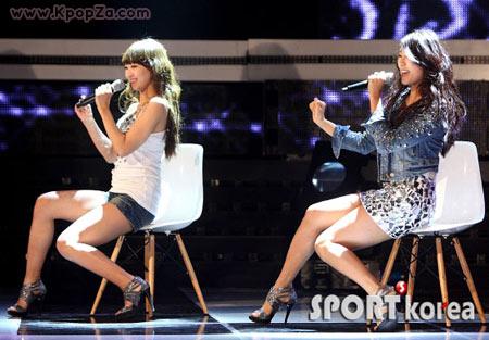 Những đạo cụ biểu diễn độc đáo của sao K-pop - 3
