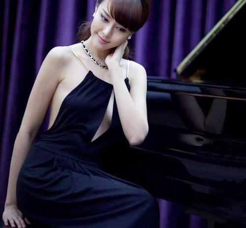 """Ngất ngây trước """"nữ thần piano"""" gợi cảm nhất châu Á - 1"""