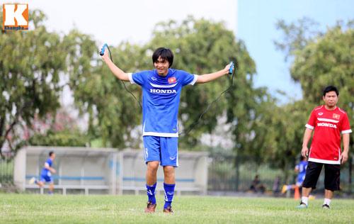 """U23 VN: Tuấn Anh loay hoay với """"trò chơi"""" của HLV Miura - 6"""