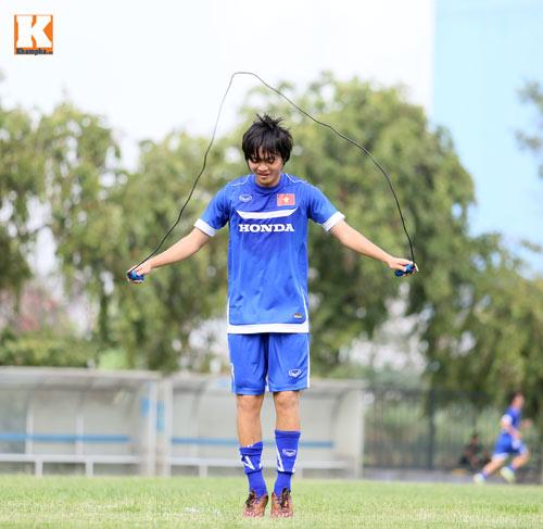 """U23 VN: Tuấn Anh loay hoay với """"trò chơi"""" của HLV Miura - 8"""
