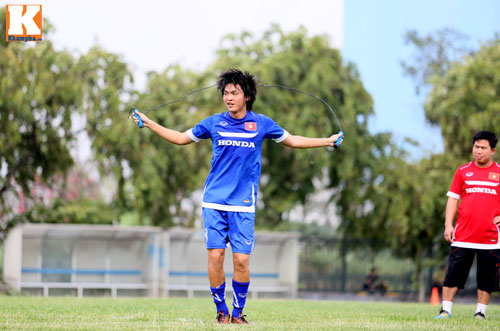 """U23 VN: Tuấn Anh loay hoay với """"trò chơi"""" của HLV Miura - 11"""