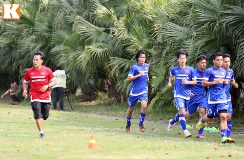 """U23 VN: Tuấn Anh loay hoay với """"trò chơi"""" của HLV Miura - 2"""